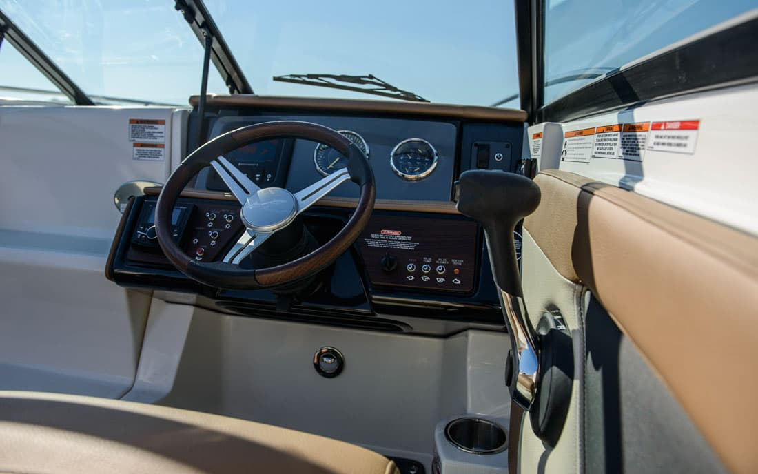 Катер Sea Ray  230 SunSport фото 2.4