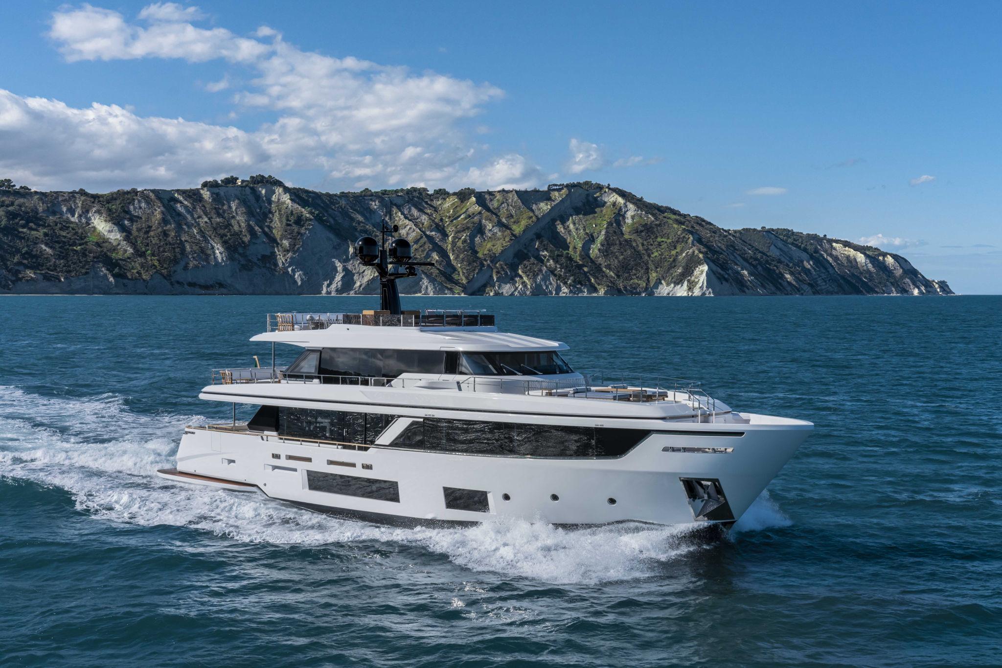 Яхта Custom Line Navetta 30 #1 New - В Италии