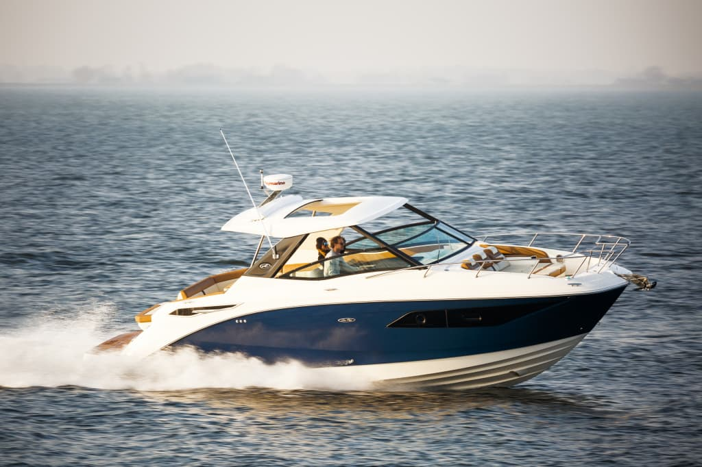 Jerome Wassenaar_Sea Ray 320 Sundancer_030.jpg