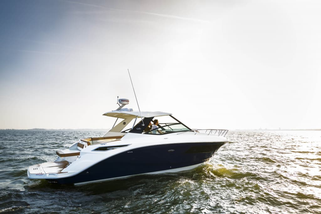 Jerome Wassenaar_Sea Ray 320 Sundancer_026.jpg